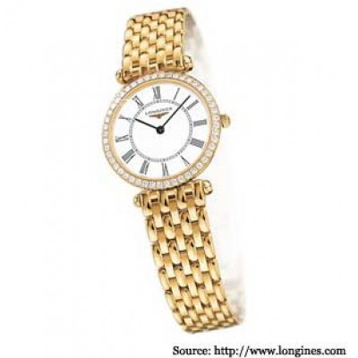 Elegant looking Ladies Watch from Titan