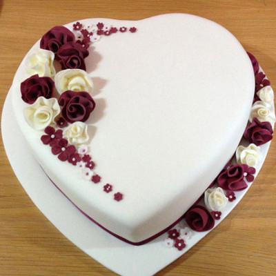 Divine Heart Cake