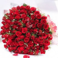 Love Beyond Words 100 Roses Bunch
