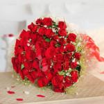 Enchanting Valentine 60 Roses Bunch