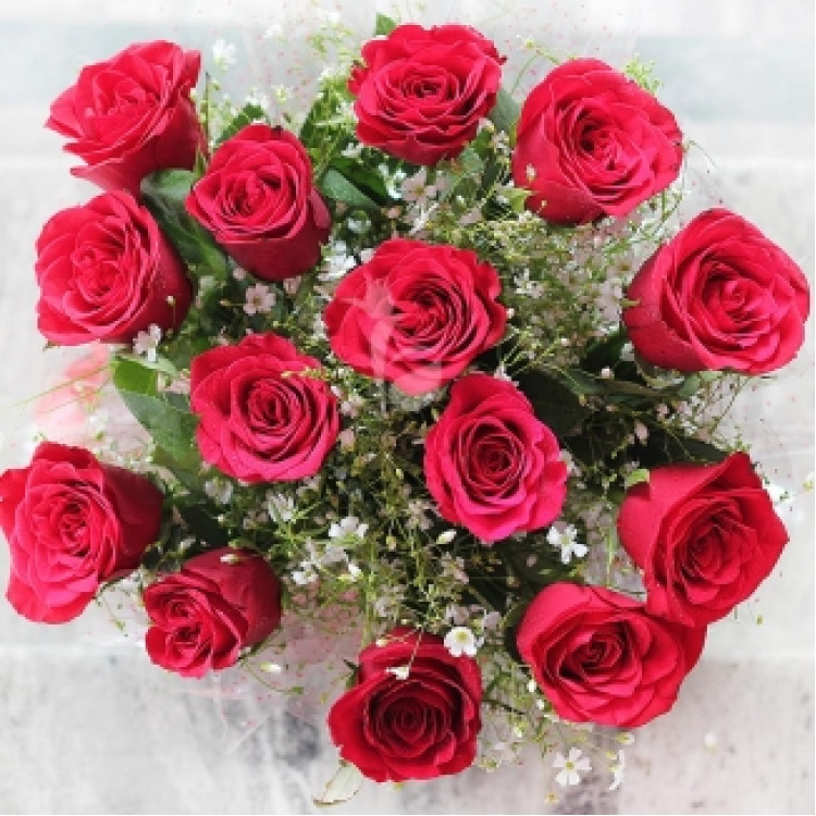 Red Beauty 14 Red Roses Bunch