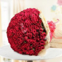 Regal Romance 500 Red Roses Bunch